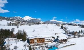 winter-hotel-panorama